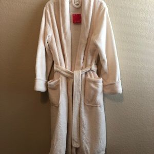 Ulta Beauty Intimates & Sleepwear - NWT • ULTA Beauty luxury soft robe • Size L/XL